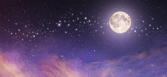 moon-6157603_640 (1).jpg